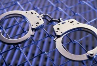 Militari arestati
