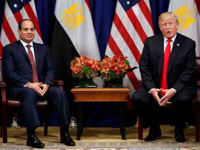 Președintele Donald Trump vorbește în timpul unei întâlniri cu președintele egiptean Abdul Fattah Al Sissi la Hotelul Palace, în cadrul Adunării Generale a Organizației Națiunilor Unite, 20 septembrie 2017