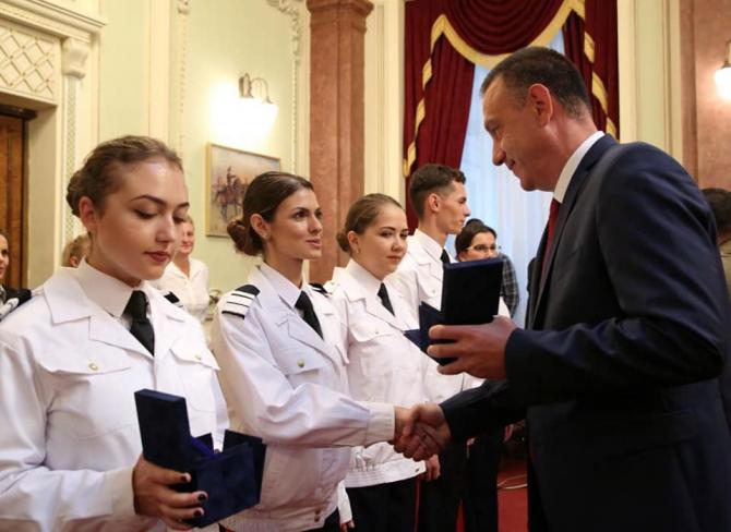 Mihai Fifor, întâlnire cu șefii de promoție din colegiile naționale militare