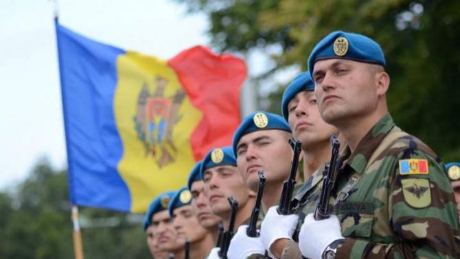 soldati ai armatei Republicii Moldova