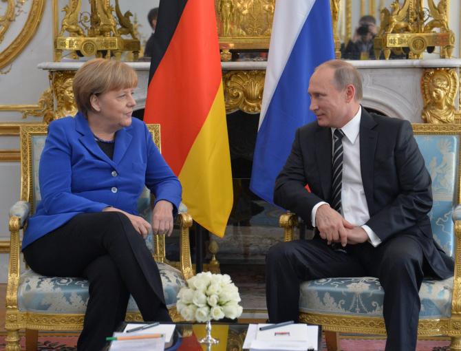 cancelarul german, Angela Merkel si presedintele rus, Vladimir Putin