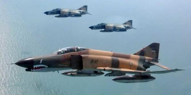 Forțele Aeriene ale Republicii Islamice Iran (IRIAF) și Corpul Gardienilor Revoluției Islamice (IRGC) au început vineri mișcări militare comune deasupra Golfului Persic și Mării Oman