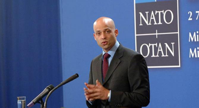 asistentul adjunct al Secretarului General al NATO pentru Afaceri Politice şi Politică de Securitate, James Appathurai