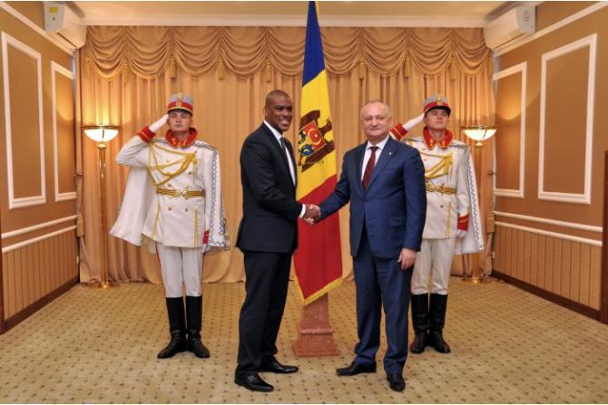 noul ambasador al Statelor Unite în Republica Moldova şi preşedintele Igor Dodon