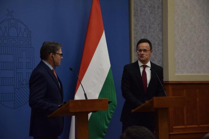 Rick Perry și Péter Szijjártó