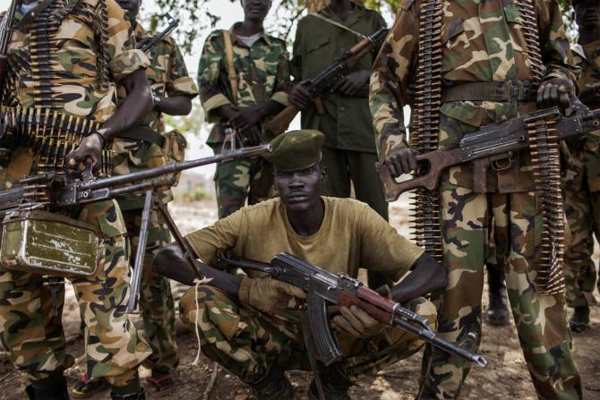 Soldații ai Armatei Guvernamentale de Eliberare a Poporului din Sudan (SPLA)