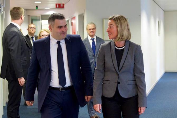 Gabriel Leș și Federica Mogherini