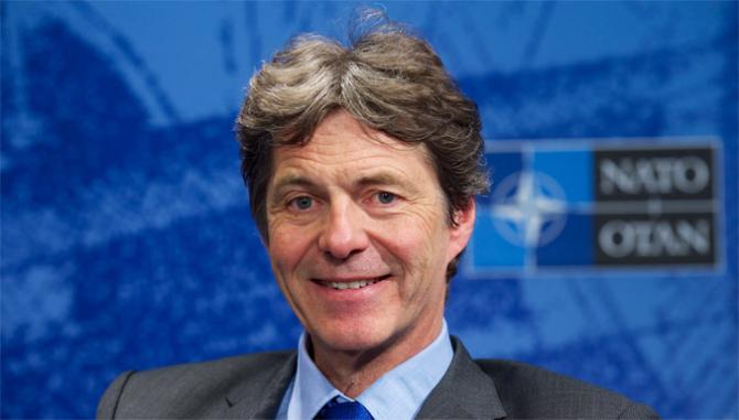 Asistentul secretarului general NATO pentru probleme de securitate şi intelligence, Arndt Freytag von Loringhoven. Sursa foto: NATO