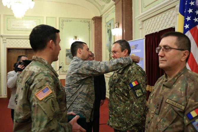 Nicolae Ciucă, premiat de Forțele Speciale SUA