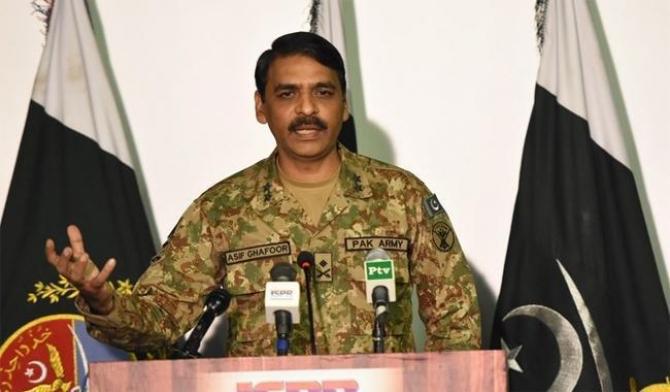 purtătorul de cuvânt al armatei aerului pakistaneză, generalul Asif Ghafoor