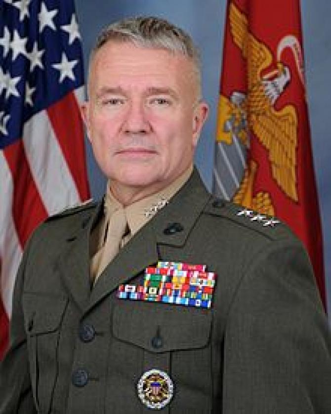 Generalul Frank McKenzie