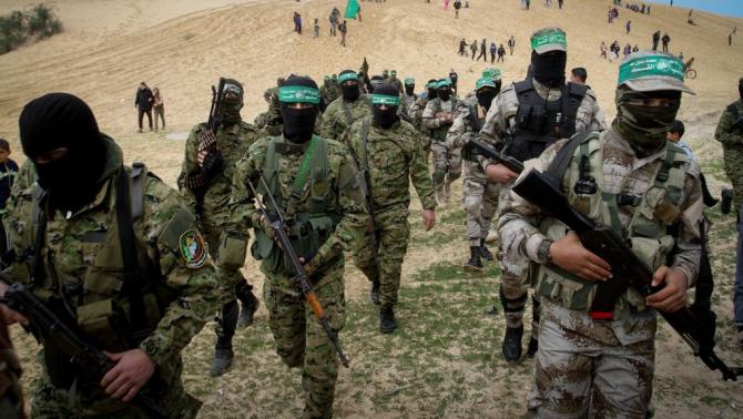 Militanți ai grupului terorist Hamas, aliat al Iranului