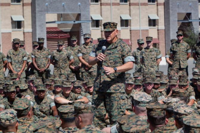 Generalul Robert Neller Sursă foto: US Navy