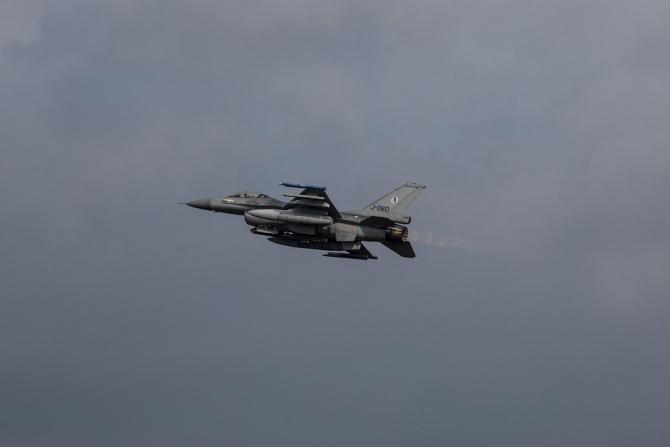 (w670) F-16 oland