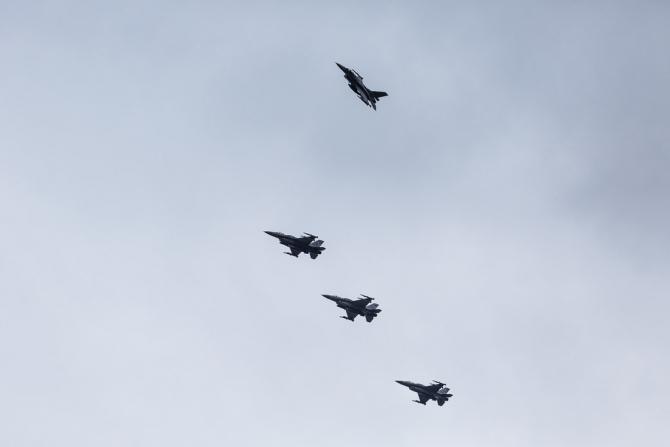 (w670) Avioane F-