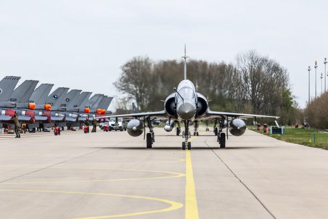 Avion francez Mirage 2000D. Sursă: NATO