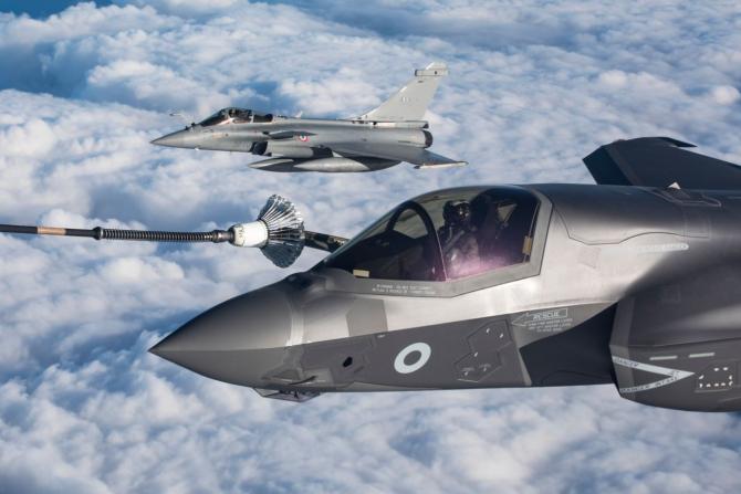 Avioane F-35 ale RAF și Forțelor Aeriene Franceze participând la un exercițiu comun, sursă foto: RAF