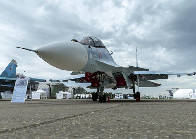 (w670) Su-57, sur