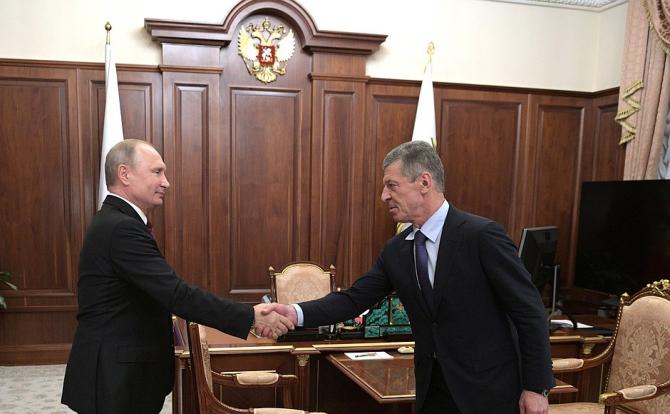 Vladimir Putin și Dmitri Kozak