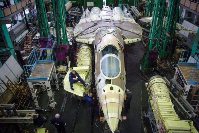 Sukhoi T-50 PAK FA (Su-57)