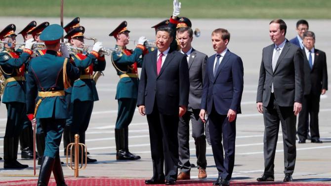 Preşedintele chinez Xi Jinping a sosit miercuri la Moscova, într-o vizită menită să deschidă 'o nouă eră' de prietenie