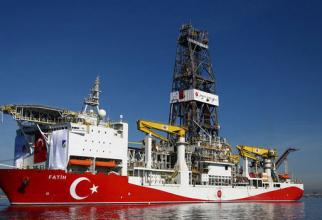 Fatih-nava turcă de foraj petrolier
