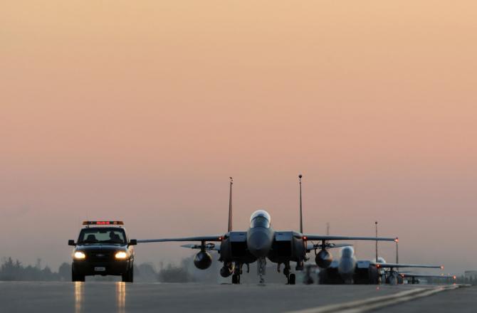 Foto: Avioane SUA F-15 desfășurate la Baza Aeriană de la Incirlik. Sursă: US Army Incirlik