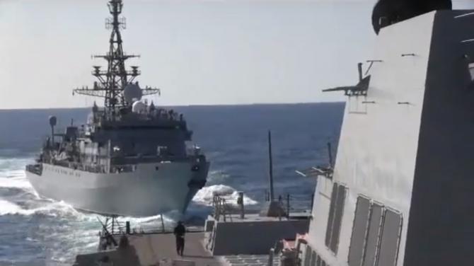Agresiunea asupra distrugătorului american USS Farragut, de către o navă de luptă a Rusiei