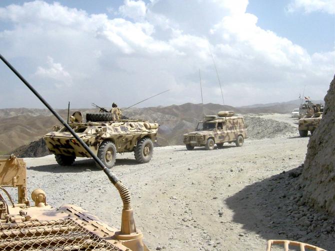 """Foto: Militari ai Batalionului 26 Infanterie """"Neagoe Basarab"""", aflați în misiune în Afganistan, în 2014, sursă: MApN"""
