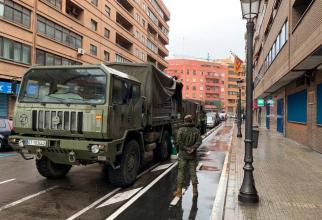 Forțele armate spaniole desfăşurate pe străzile oraşelor din Spania.