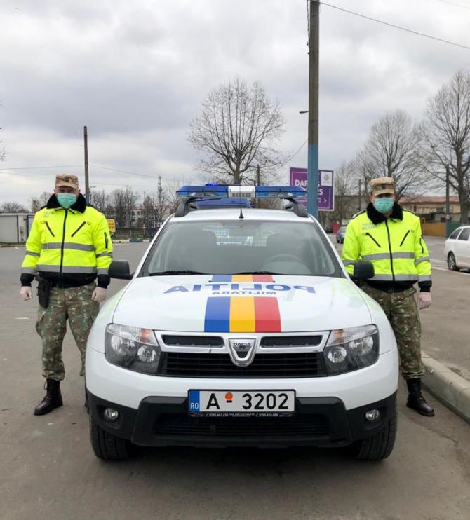 Armata română, împreună cu Poliția pe străzile țării în lupta împotriva pandemiei de COVID-19, sursă foto: Facebook MApN