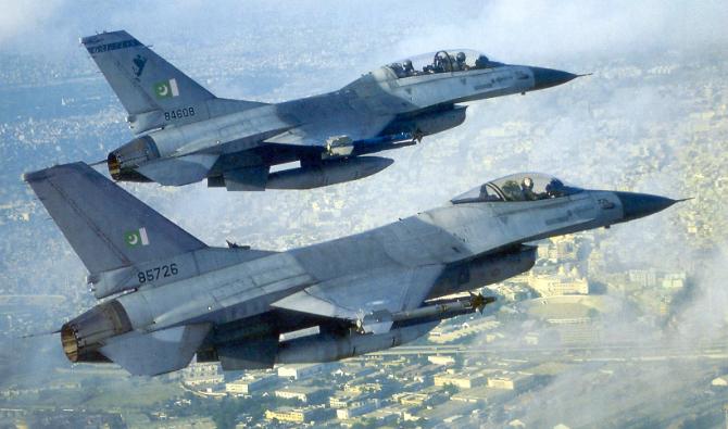 Avioane F-16, aflate sub comanda Forțelor Aeriene Pakistaneze, sursă foto: F-16.net