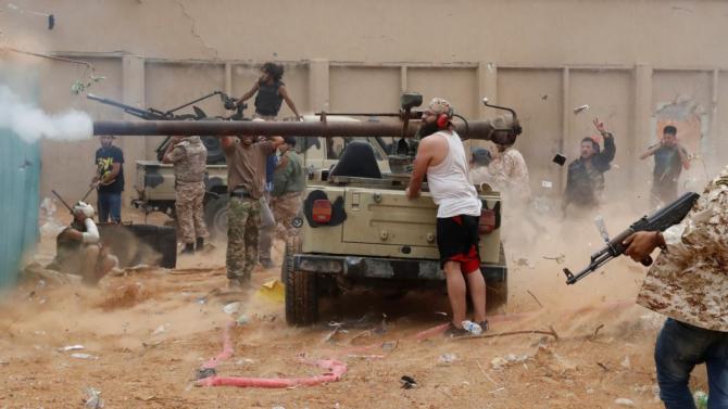 Luptători din Armata Națională Libiană, aflaţi sub comanda mareşalului lui Khalifa Haftar