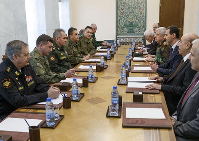 Întrevedere între ministrul Apărării al Federației Ruse, Serghei Șoigu, la Damasc, cu președintele sirian Bashar al Assad, sursă foto: Ministerul Apărării de la Moscova