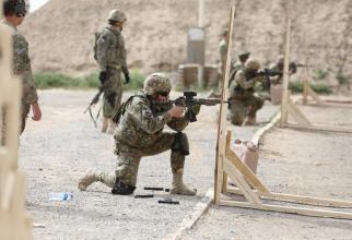 """Imagini din cadrul competiției """"Kandahar Klassic Summit Vipers Shoot-out"""", din Afganistan, unde Armata română a participat alături de militarii US Army. Sursă foto: Forțele Terestre Române"""