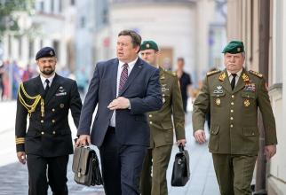 Ministrul apărării din Lituania, Raimundas Karoblis