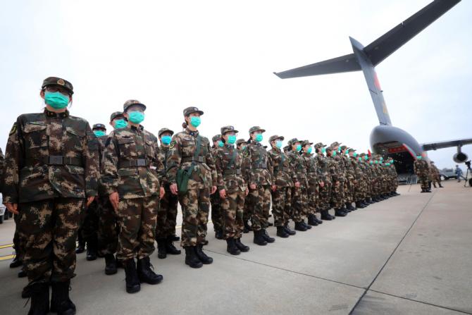 Militari chinezi, în luptă cu noul coronavirus. Sursă foto: Ministry of National Defense of China