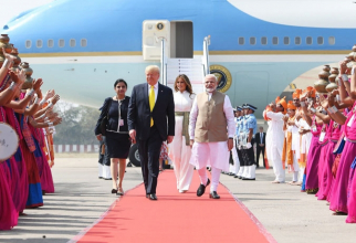 Sosirea lui Donald Trump în India și începutul vizitei sale. Photo source: Consulate General Of India, San Francisco, California, official website