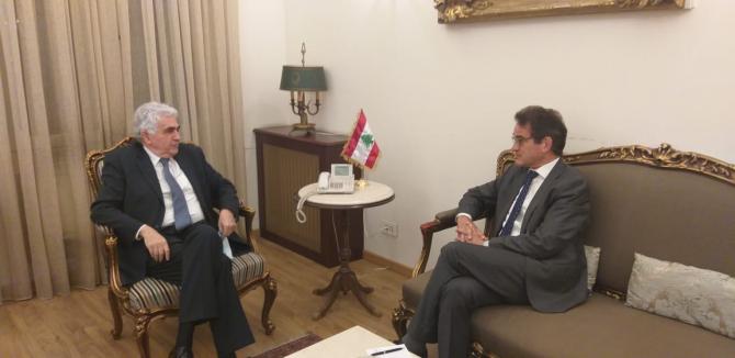 Ambasadorul Germaniei, George Birgelen (dreapta) si ministrul de externe din Liban, Hitti Nassif (stânga)