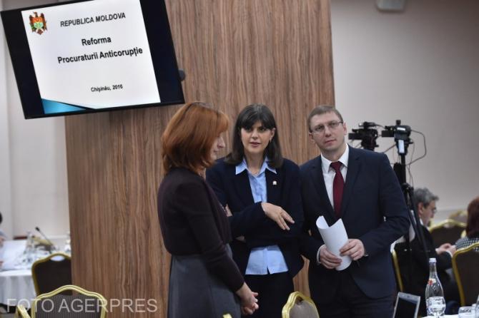 Fostul procurorul șef al DNA, Laura Codruța Kovesi și fostul șef al Procuraturii Anticorupție din Republica Moldova, Viorel Morari, participând la primul Forum moldo-român în domeniul jusției, în 2016