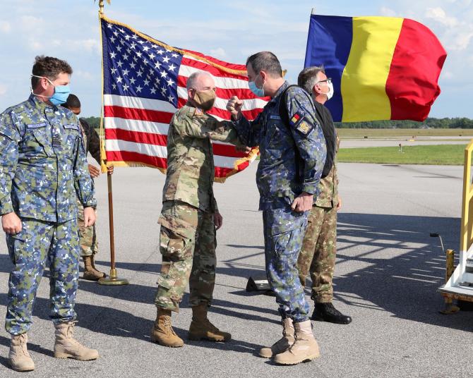 Medici militari români, în Alabama. Sursă foto: U.S. Embassy Bucharest Facebook