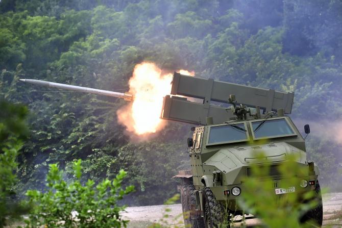 """Sistemul modular de rachete """"Oganj"""" cu cabină blindată LRSVM M18"""