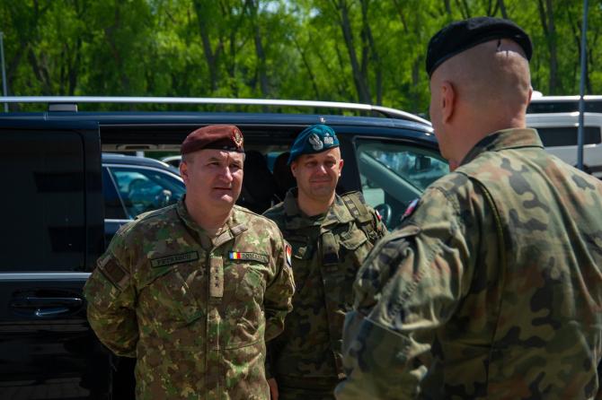3. Generalul  (generalul_daniel_petrescu_18702200.jpg)