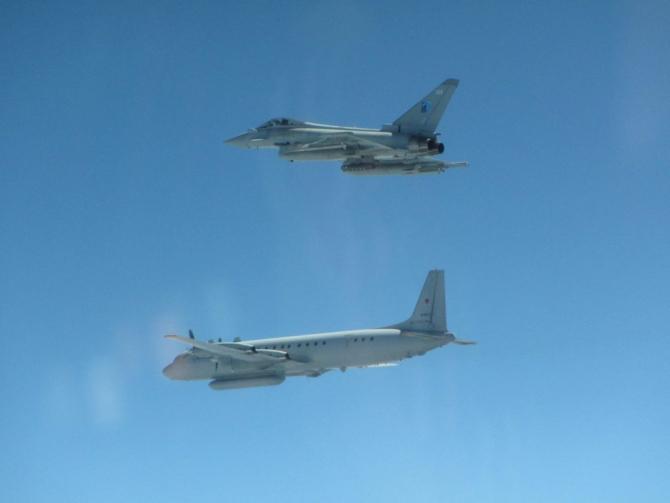 3. Sursă fot (interceptare_eurofighter_typhoon_marea_britanie_22968000.jpg)