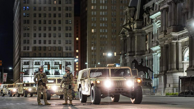 Garda Națională din Pennsylvania se mobilizează în Philadelphia la 1 iunie 2020. Twitter: Garda Națională din Pennsylvania
