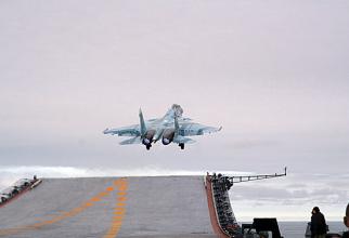 Un Su-33, decolând de pe portavionul Amiral Kuznețov, sursă foto: Ministerul Apărării de la Moscova