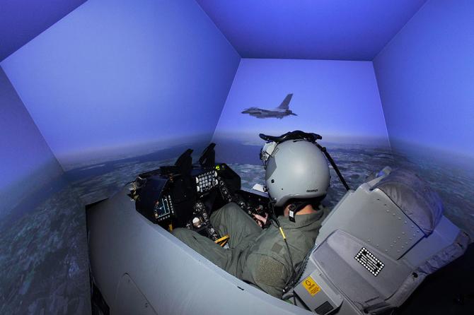 Simulator F-16, sursă foto: L3Harris