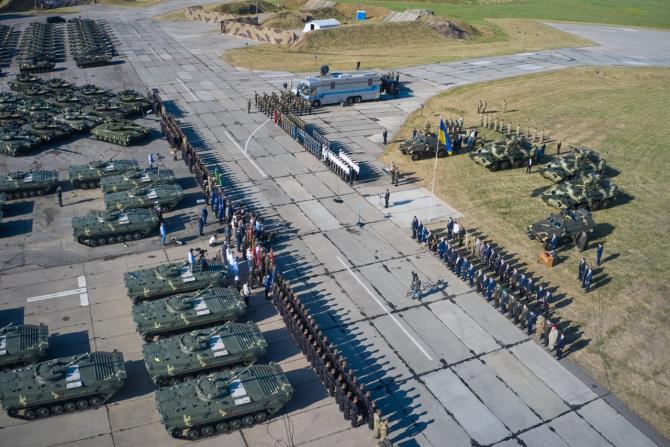 2. -imagine fara descriere- (ucraina_armata_trupe_39418300.jpg)
