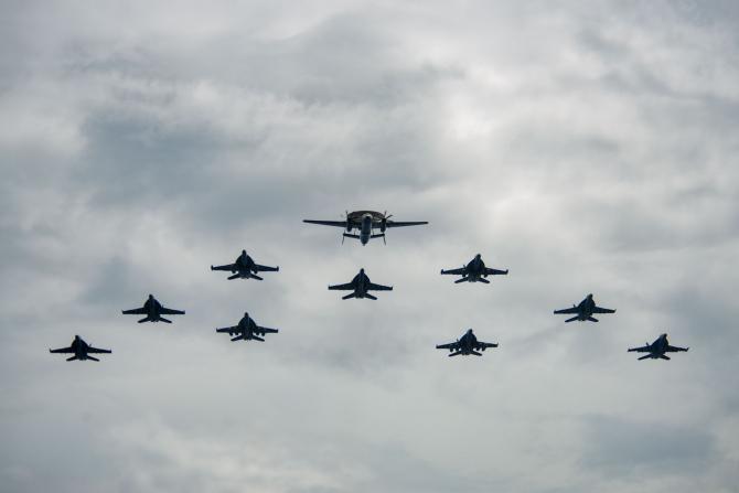 2. -imagine fara descriere- (avioane_us_navy_05726700.jpg)