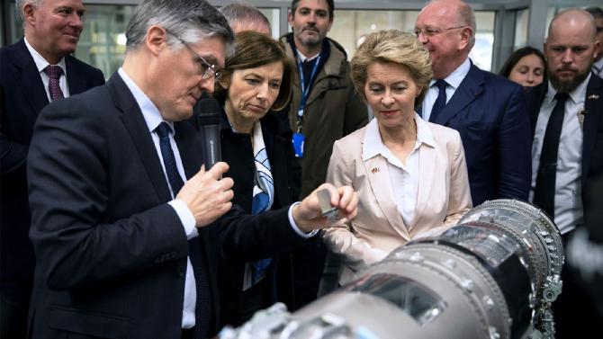 Ministrul francez al apărării, Florence Parly, şi omologul său german, Annegret Kramp-Karrenbauer